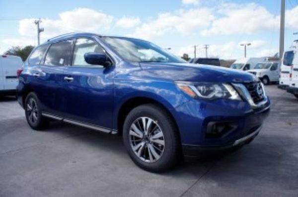 2019 Nissan Pathfinder in Davie, FL