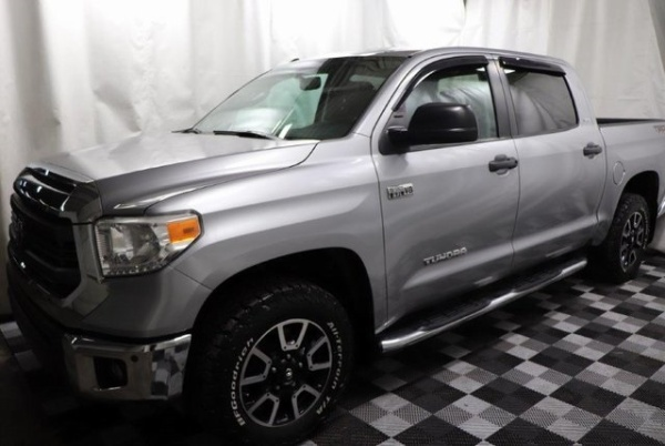 2015 Toyota Tundra in Akron, OH