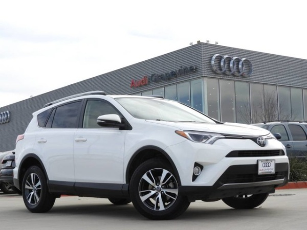 2017 Toyota RAV4 in Grapevine, TX
