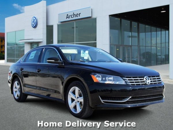 2013 Volkswagen Passat in Houston, TX