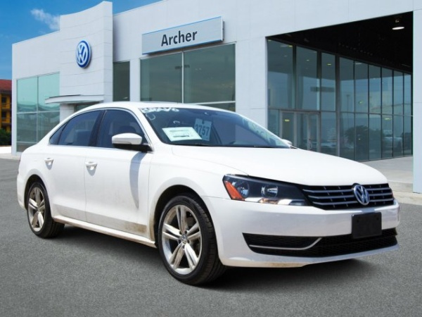 2015 Volkswagen Passat in Houston, TX