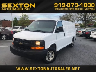 fe4146daf3 2010 Chevrolet Express Cargo Van RWD 2500 135