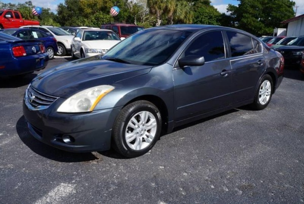 2012 Nissan Altima in Clearwater, FL