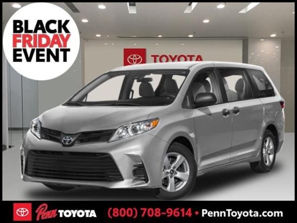 2020 Toyota Sienna in Greenvale, NY