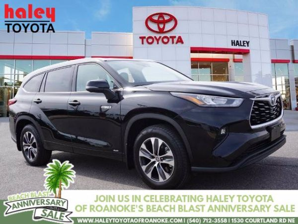 2020 Toyota Highlander in Roanoke, VA
