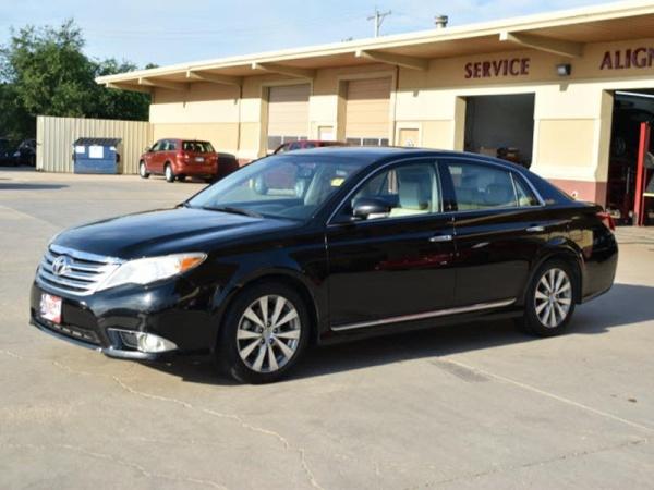 2011 Toyota Avalon in Wichita, KS