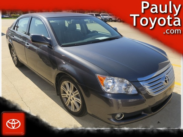 2008 Toyota Avalon in Crystal Lake, IL