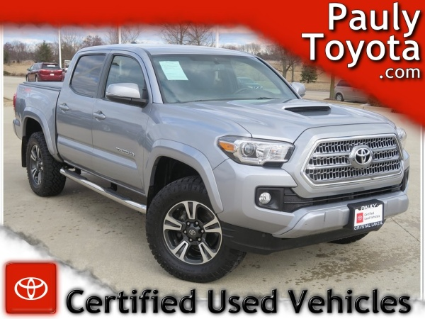2016 Toyota Tacoma in Crystal Lake, IL