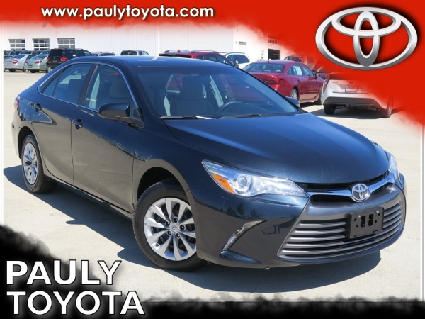 2015 Toyota Camry in Crystal Lake, IL