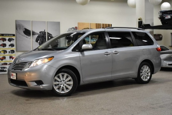 2015 Toyota Sienna in Canton, MA