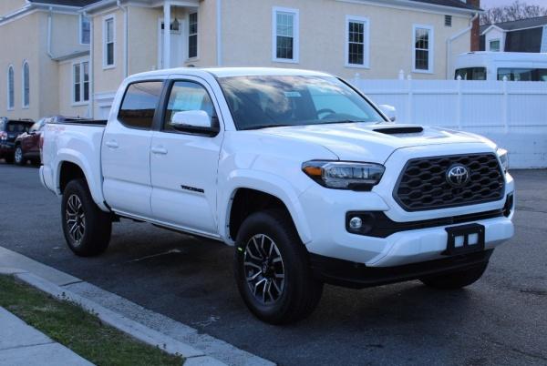 2020 Toyota Tacoma in Arlington, VA