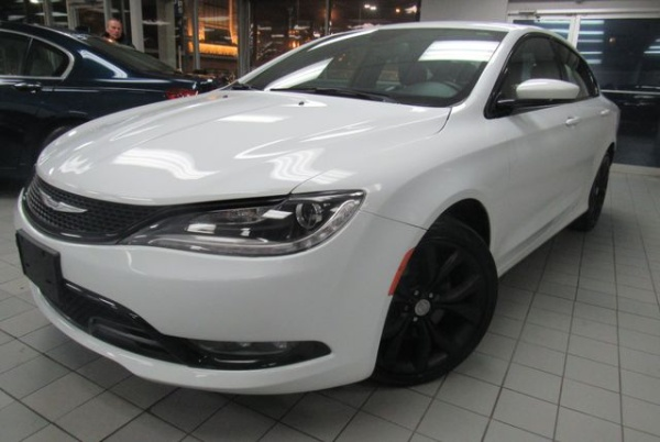 2015 Chrysler 200 in Chicago, IL