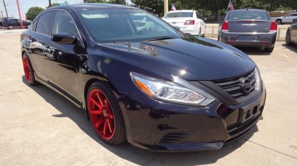 2016 Nissan Altima in Garland, TX