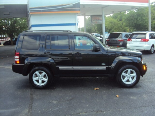 used jeep liberty for sale in louisville ky u s news world report. Black Bedroom Furniture Sets. Home Design Ideas