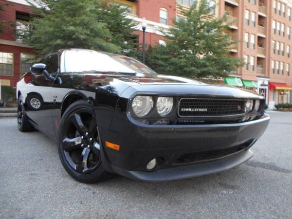 2013 Dodge Challenger in Arlington, VA