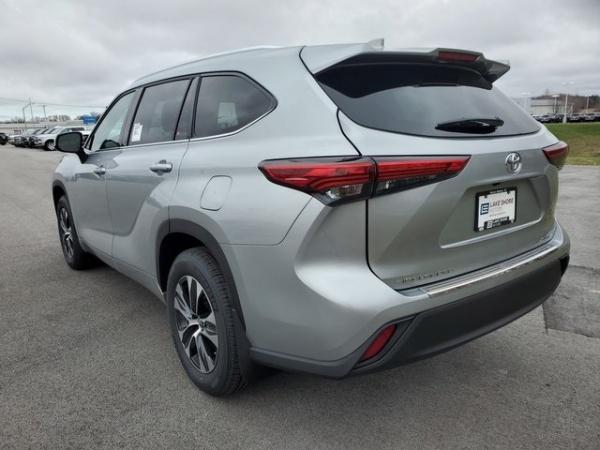 2020 Toyota Highlander in Burns Harbor, IN