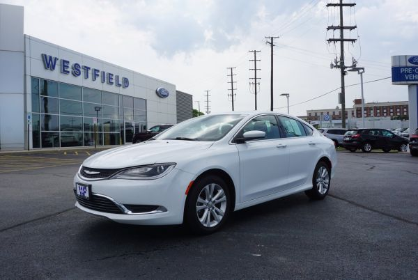 2015 Chrysler 200 in Countryside, IL