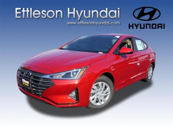 2020 Hyundai Elantra in Countryside, IL