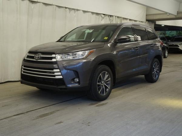 2019 Toyota Highlander in Wellesley, MA