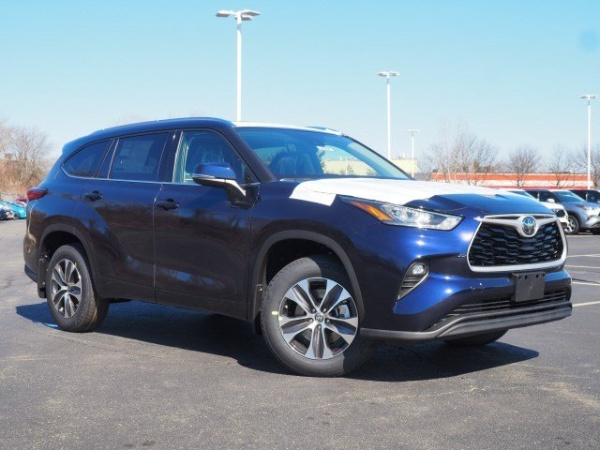 2020 Toyota Highlander in Lynn, MA