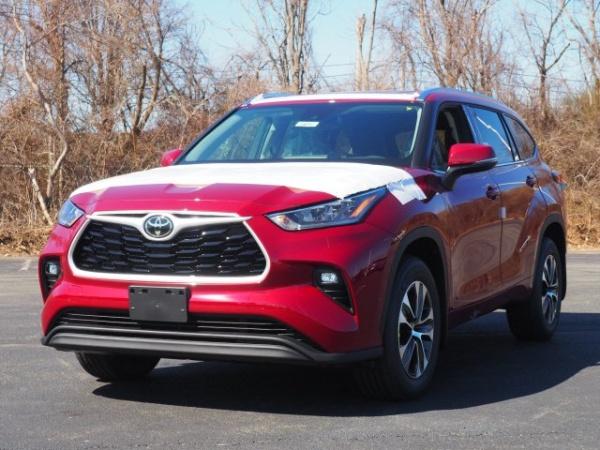 2020 Toyota Highlander in Lynn, MA