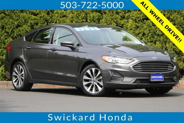 2019 Ford Fusion in Gladstone, OR
