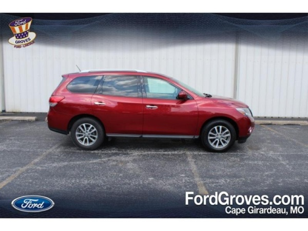 2015 Nissan Pathfinder in Cape Girardeau, MO