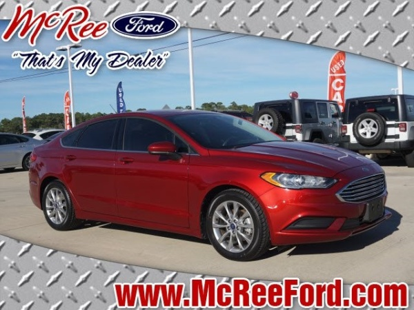 2017 Ford Fusion in Dickinson, TX