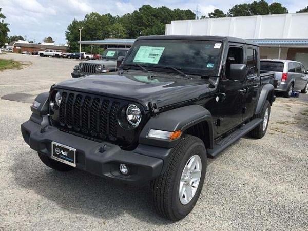 2020 Jeep Gladiator in Virginia Beach, VA