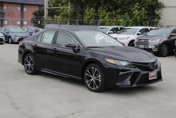 2019 Toyota Camry in North Hollywood, CA