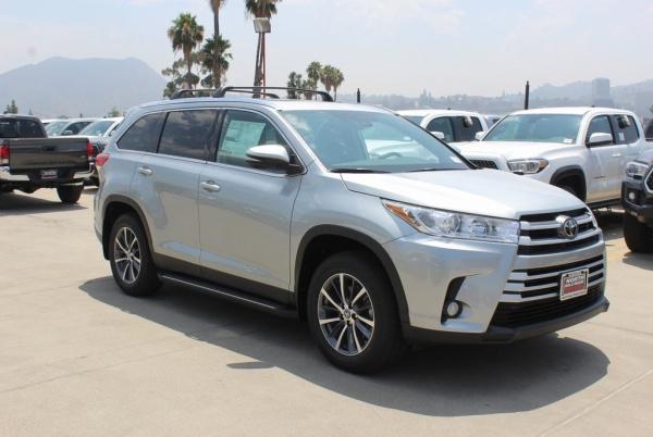 2019 Toyota Highlander in North Hollywood, CA