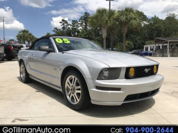2005 Ford Mustang GT Deluxe