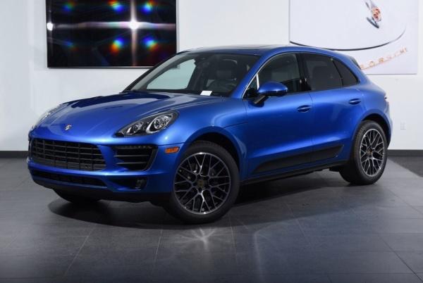 2018 Porsche Macan in Freeport, NY