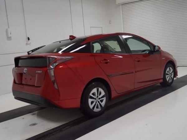 2017 Toyota Prius in Topeka, KS