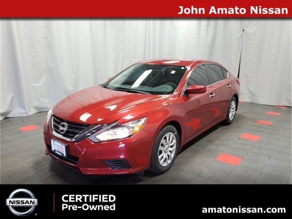 2016 Nissan Altima in Glendale, WI