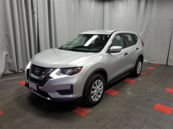 2017 Nissan Rogue in Glendale, WI