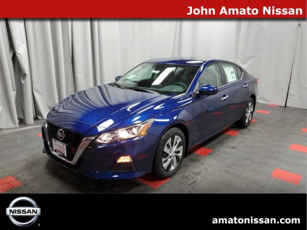 2020 Nissan Altima in Glendale, WI
