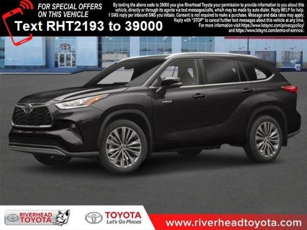 2020 Toyota Highlander in Riverhead, NY