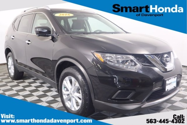 2016 Nissan Rogue in Davenport, IA