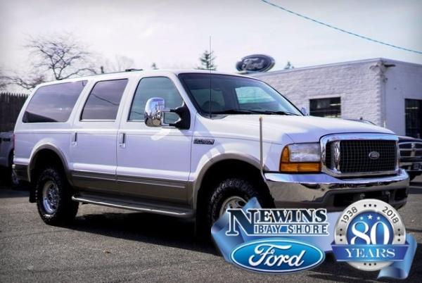 2001 Ford Excursion in Bay Shore, NY