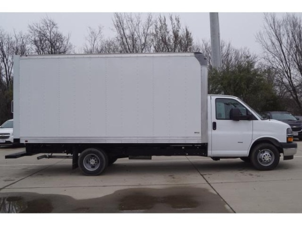 2020 Chevrolet Express Commercial Cutaway in Grapevine, TX