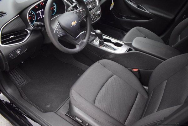 2020 Chevrolet Malibu in Grapevine, TX