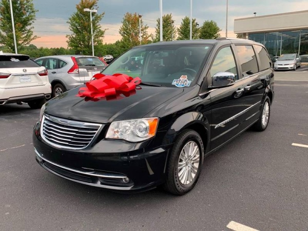 2014 Chrysler Town & Country in Monroe, NC