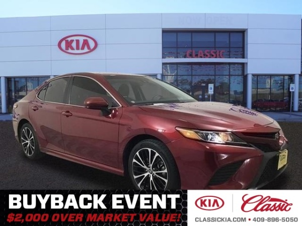 2018 Toyota Camry in Beaumont, TX