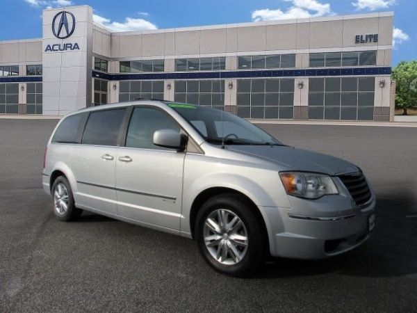 2010 Chrysler Town & Country in Maple Shade, NJ