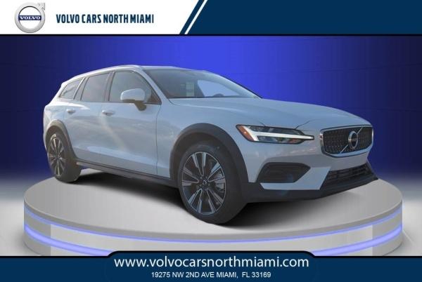 2020 Volvo V60 Cross Country in Miami, FL