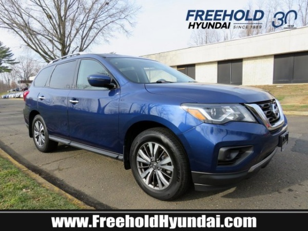 2017 Nissan Pathfinder in Freehold, NJ
