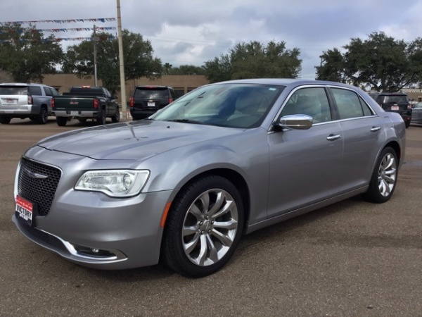 2018 Chrysler 300 in Victoria, TX