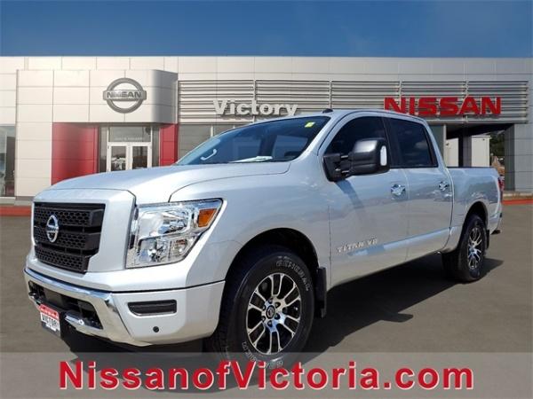 2020 Nissan Titan in Victoria, TX