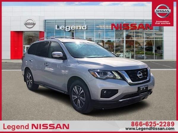 2017 Nissan Pathfinder in Syosset, NY